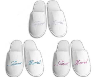 Just Married Personalised wedding Slippers, Bridal party gifts, Spa Slippers, Personalized bridal slippers, Bridesmaid Gifts, hen slippers