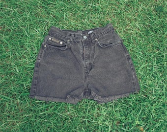 Vintage Women's Black Denim Cutoff Shorts (S)