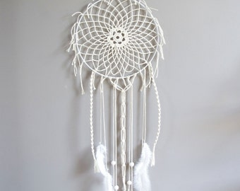 Off white medium size dreamcatcher with old lace
