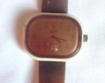 Vintage watch, Brown plastic, 70s.