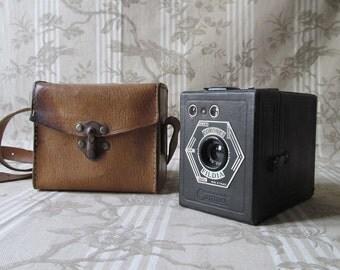 Vintage French Box Camera with Original Leather Case - Coronet Fildia - 1940's Camera - Objectif Meniscope Tiranty Lens