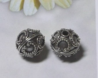 Bali Sterling Silver 11mm Round Ornate Focal Bead #1927 - (1)