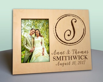 Personalized Wedding Frame - Newlywed Monogram Gift - Anniversary - Personalized Wood Picture Frame - Photo Frame - newlywed gift - PF1180