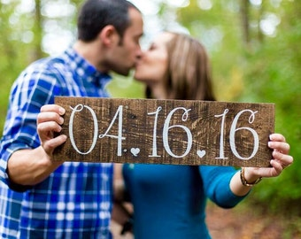 Save the Date Rustic Wood Sign, Engagement Picture Prop