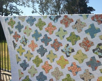 Queen size quilt or bedspread