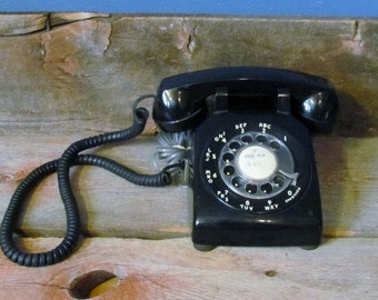 Vintage Bell Systems Rotary Dial Phone
