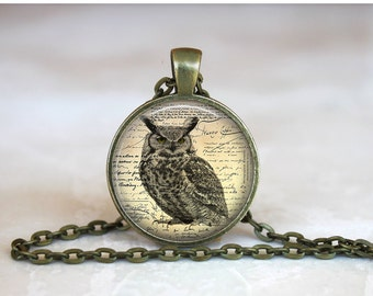OWL Pendant •  Newspaper Print • Wise Owl • Vintage Owl • Gift Under 20 • Made in Australia (P0153)