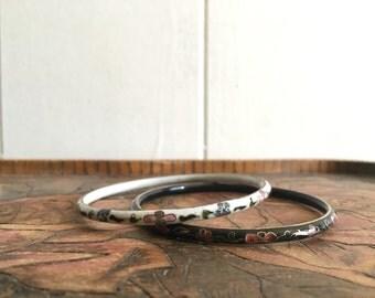 SALE vintage floral enamel bangles ~ stacking bracelet set