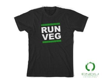 RUN VEG Vegan Vegetarian Runner Tshirt - Running Marathon, Plant Based Eater - Mens T-Shirt
