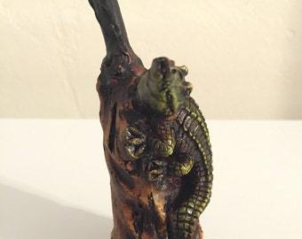 Tobacco Hand Made Pipe, Aligator Design