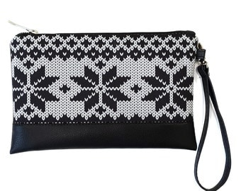Clutch // Snow // change purse - make up bag - bridesmaid clutch