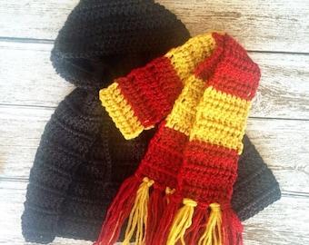 Crochet Harry Potter outfit // gryffindor scarf and cloak // newborn photo prop // halloween costume // newborn 0-3 3-6 6-12 month