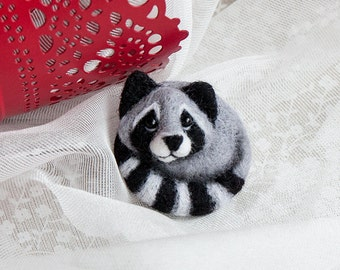 Raccoon brooch, Hand Felted Brooch, Wool Animal, Eco friendly, Personalised gifts, Gifts for her
