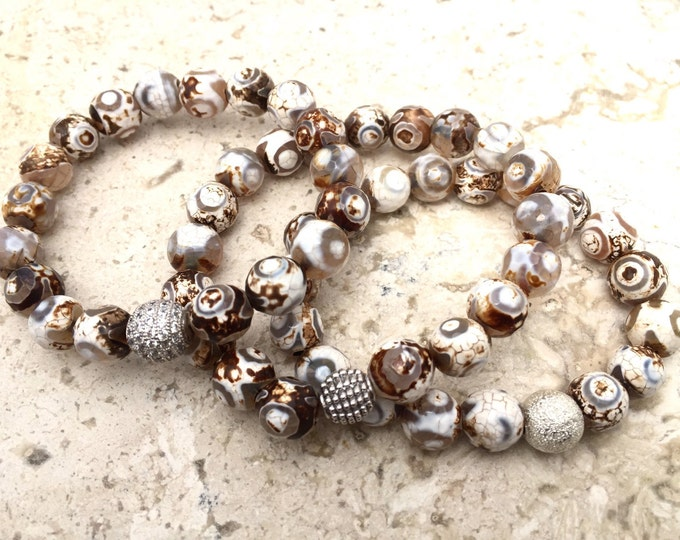 Agate stackable bead bracelet, natural stone with gray and brown tones.  Gorgeous tribal pattern