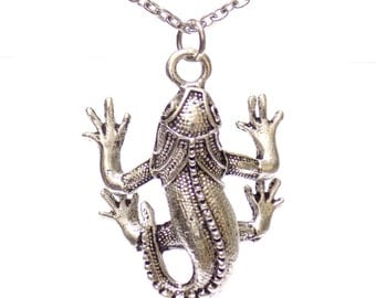 Necklace, statement necklace, Gecko pendant necklace, gecko charm, gift for him, animal necklaces, silver necklace, lizard necklace