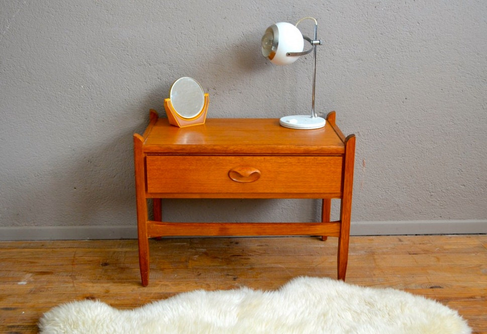chevet bout de canap scandinave design vintage r tro teck ann es 60 danemark teak bedside table. Black Bedroom Furniture Sets. Home Design Ideas