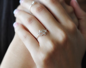 Sterling Silver Leaf Ring, Laurel Ring, Silver Vine Ring, Silver Simple Ring, Sterling Silver Rings, 925 Rings, Nature Jewelry