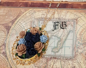 Tender Rose Cameo Necklace - Navy/Tan