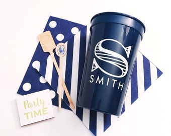 Personalized plastic cups, stadium cups, hostess gift, purdoor entertaining, wedding cup favors, party cups, personalized cups, pool cups
