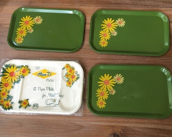 Set of 3 Vintage 1950s Green Metal Serving Dining Trays and Divided Paper Liners - Lap Trays, Snack Trays, Yellow Daisies, Hippies, Hipsters