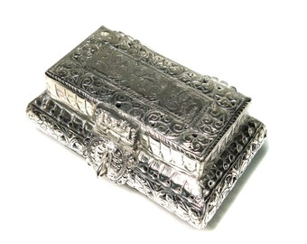 Silver jewelry box, Antique silver box, Vintage  silver carving rectangular box, Treasure box, trincklet