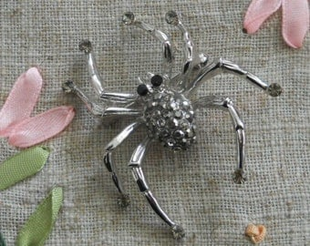 Vintage spider brooch with marquisite