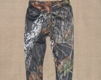 leggings for those country cuties. Size NB to size 3. made with Mossy Oak Jersey Knit and 10 other camo colors.