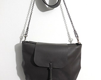 Elegant leather pouch / / Made in France / / elegant design / / tassel chain metal / / gray color