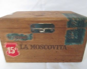Vintage Wooden Cigar Box La Moscovita New Haven, Conn