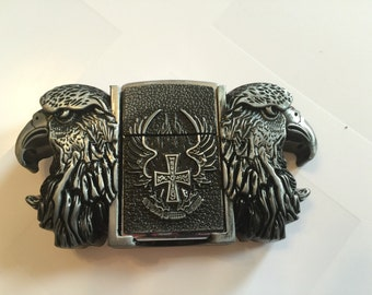 Eagle with cross belt buckle with lighter