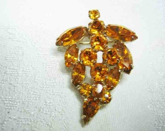 Vintage Weiss Amber Rhinestone Brooch Prong Set
