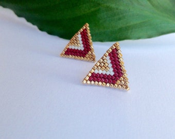 Small triangle stud earrings / miyuki beads gold filled 24K /red tangerine or burgundy, gold, white earrings / arrow - chevron design