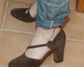 Beautiful Vintage Brown Suede Amalfi Shoes Heels 60's Italian