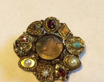 Vintage Intaglio Brooch/Earrings Set