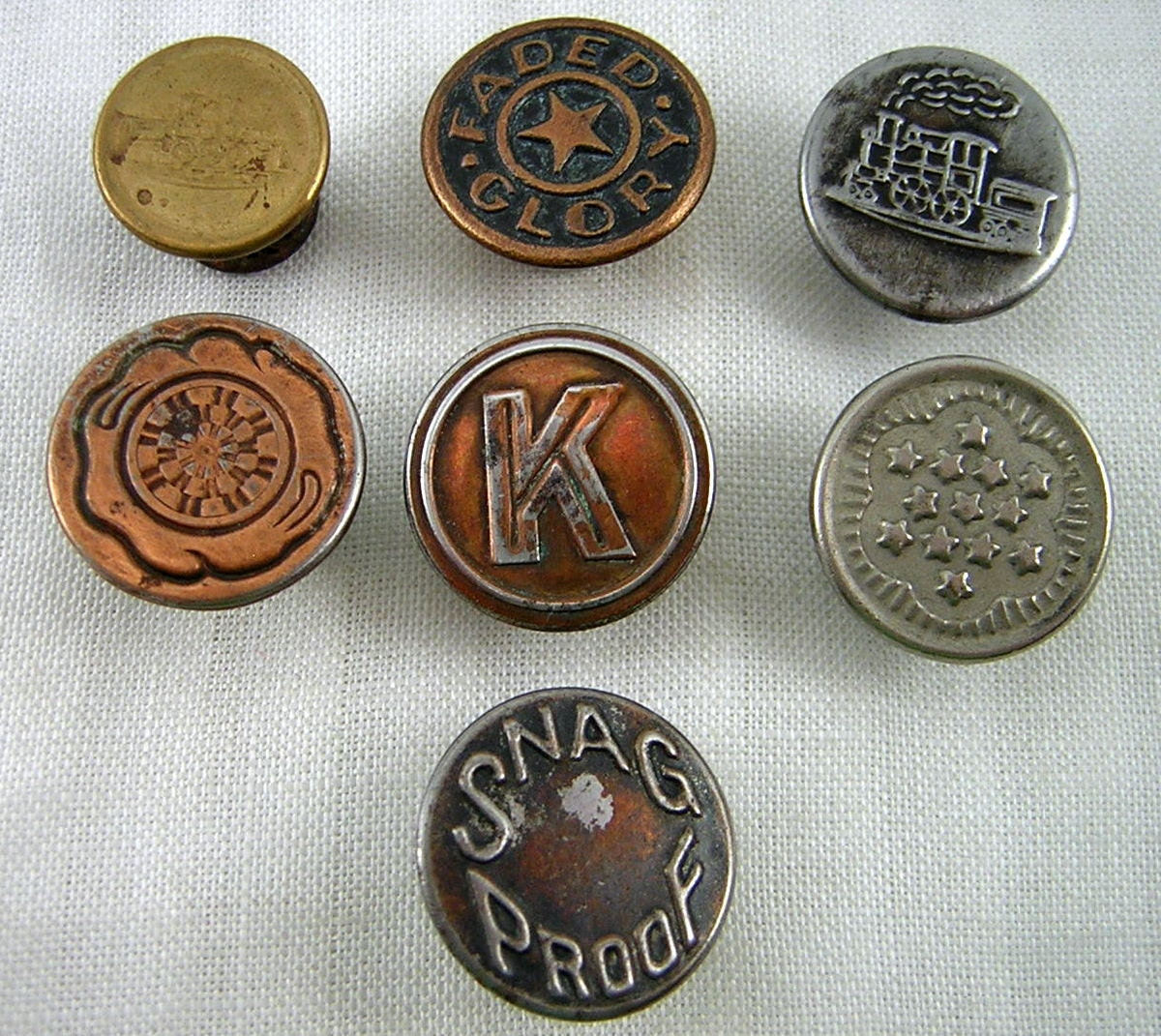 7 work clothes rivet buttons vintage copper steel picture
