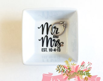 Ring Dish | Engagement Ring Dish | Mr and Mrs Bridal shower gift | Ring holder | Custom Engagement Ring Holder | Jewelry dish