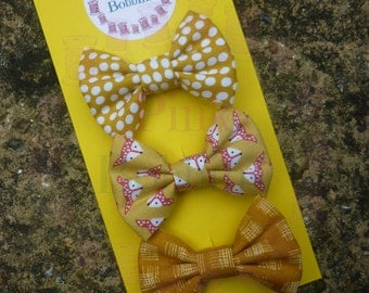 MUSTARD hair bow set of 3. Mini size fabric bows on alligator clips. Foxes and mustard yellow colours, ideal for autumn!