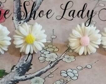 Cute daisy earring set mini daisies flowers pink yellow white
