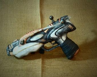 92-Wild Cat gun prop