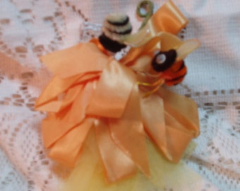 Vintage corsage, yellow & bees