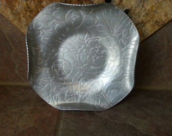"Vintage 1950's Hand Wrought Aluminum Floral Plate, Wilson Specialties, Brooklyn NY, Very Good Condition, Measures 9"" by 7 1/2"",  Nice"