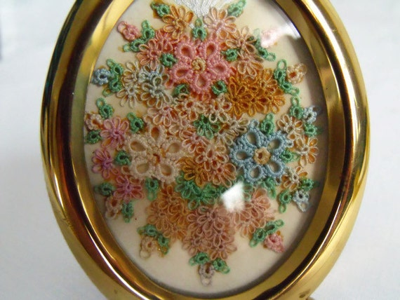 Miniature Tatted lace picture, floral framed image, decorative picture