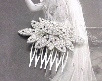 Rhinestone Flower Hair Comb in Silver, Wedding Hair Comb, Bridal Hair Comb Jeweled Hair Ornament, Rhinestone Hair Comb