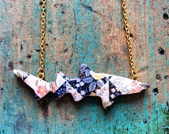 Shark Necklace / Ragged Tooth Shark Necklace - Geo Garden