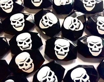 White Skull on black Beads, halloween beads, halloween jewelry, day of the dead, skeleton jewelry, bangle beads, skeleton beads