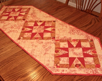 Pointed Star Table Runner
