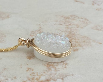 Druzy Pendant Necklace/White Druzy/Layering Necklace/Genuine Druzy/Mothers Day Gift/Free Shipping Canada/Bridesmaids Gift/