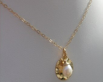 Goldfilled 585-chain, delicate and sparkling with Pearl in enchanting design!