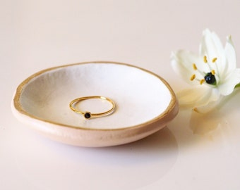 Minimalist ring dish - Ring bearer pillow alternative - Clay ring holder - Jewelry organizer - Wedding ring tray - Minimalist jewelry dish