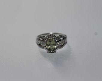 Vintage Kyanite & Diamond Ring 18KT White Gold - Size 7
